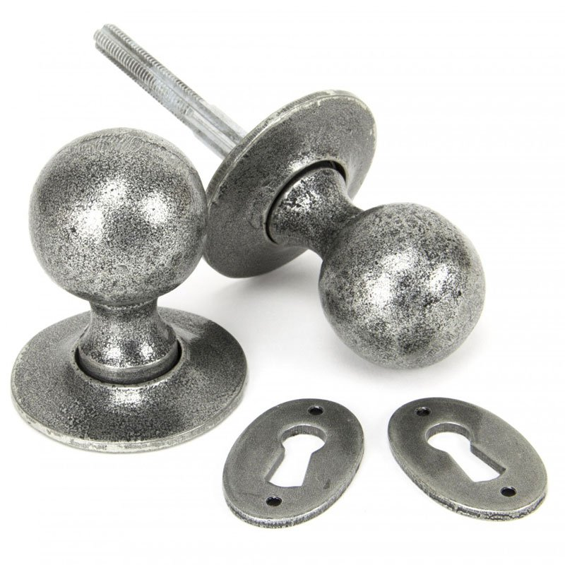 Blacksmith Pewter Patina Round Knob Set