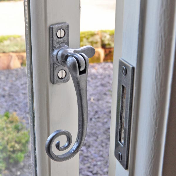 Antique Black Iron Reversible Monkey Tail Casement Fastener Window Fitting