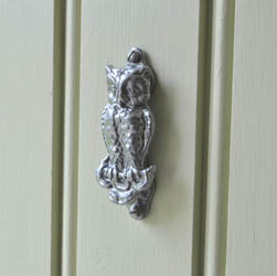 Kirkpatrick 2623 Owl Door Knocker - Pewter Finish