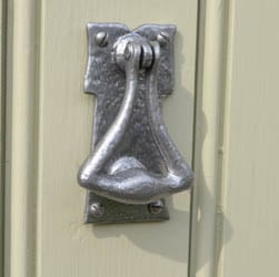 Kirkpatrick 1117 Bavarian Door Knocker - Pewter Finish